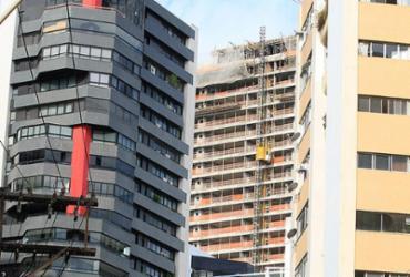 Setor da construção chega a 2018 à espera de retomada   Mila Cordeiro l Ag. A TARDE