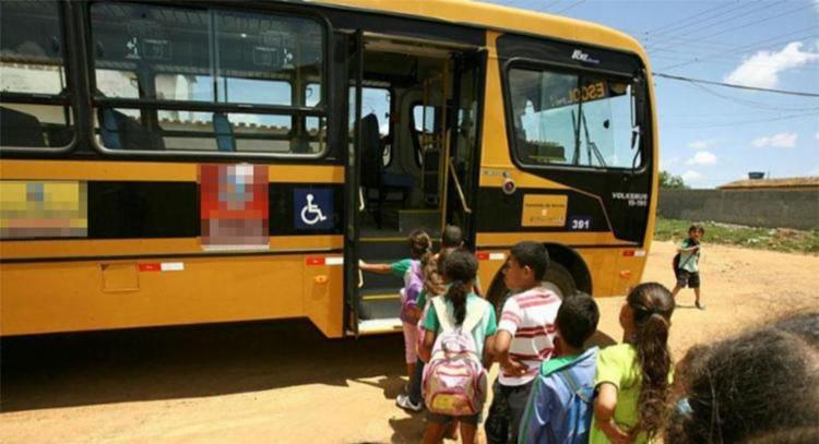 Ações envolvem desvio de verbas do transporte escolar - Foto: Joá Souza | Ag. A TARDE