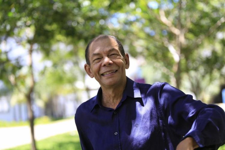 O premiado ator baiano viveu um professor aposentado em