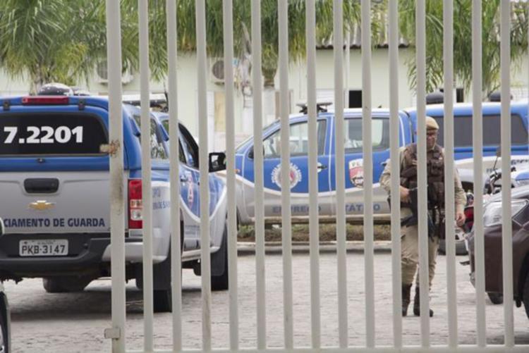 Polícia Militar foi acionada para a conter o protesto - Foto: Ed Santos | Acorda Cidade