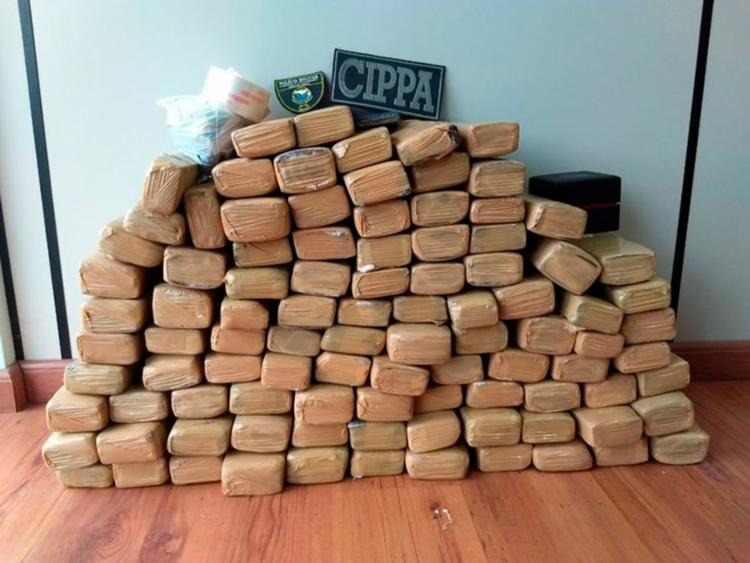 Drogas foram encontradas em imóvel que estava vazio - Foto: Divulgação SSP