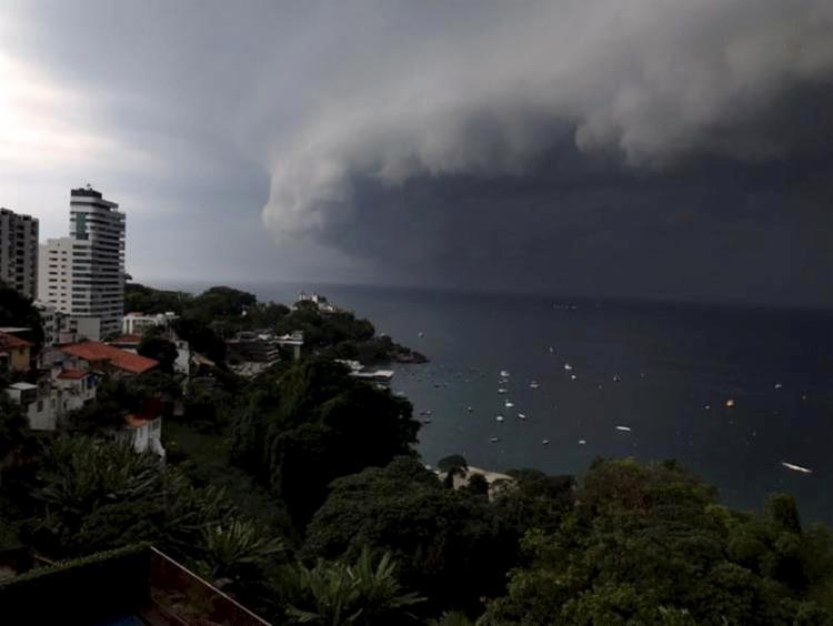 Movimentação das nuvens assustou a população - Foto: Cidadão Repórter l Via WhatsApp