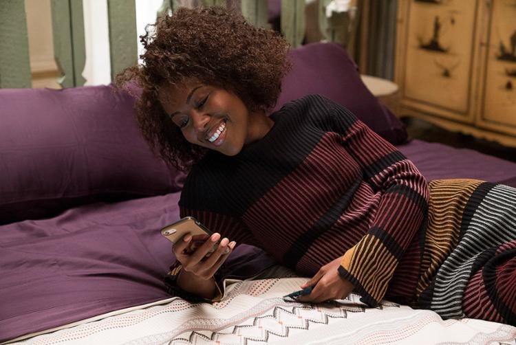 A atriz DeWanda Wise dá vida à artista independente Nora Darling na série Ela Quer Tudo - Foto: David Lee l Netflix