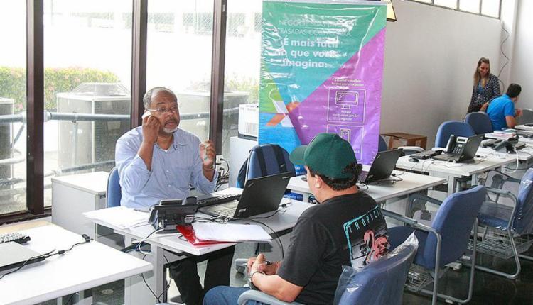 Cerca de 6 mil MEIs na Bahia estão em débito há mais de um ano com a Caixa Econômica Federal, que até 7 de dezembro oferece descontos de até 90% - Foto: Luciano da Matta l Ag. A TARDE