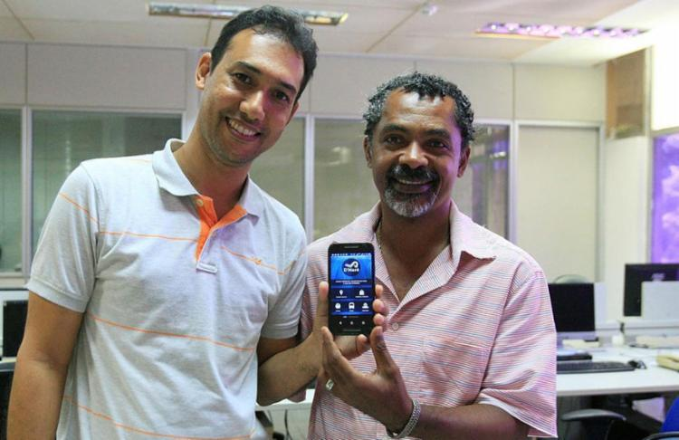 O professor Paulo José Gonçalves e o servidor Wagner Alves criaram o D'Maré - Foto: Luciano da Matta | Ag. A Tarde