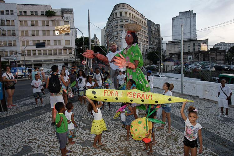 Crianças participaram do desfile com as suas criações - Foto: Mila Cordeiro l Ag. A TARDE