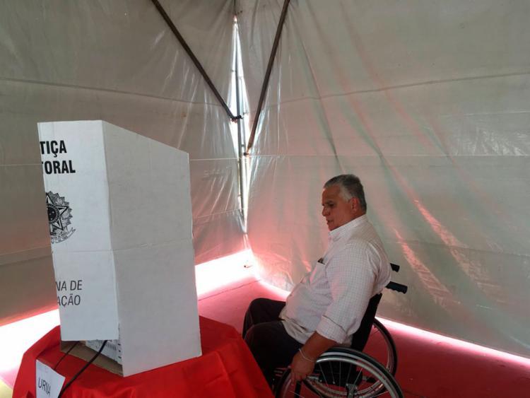 Presidente em exercício, Agenor Gordilho votou no início da tarde desta quarta-feira, 13 - Foto: Reprodução | EC Vitória