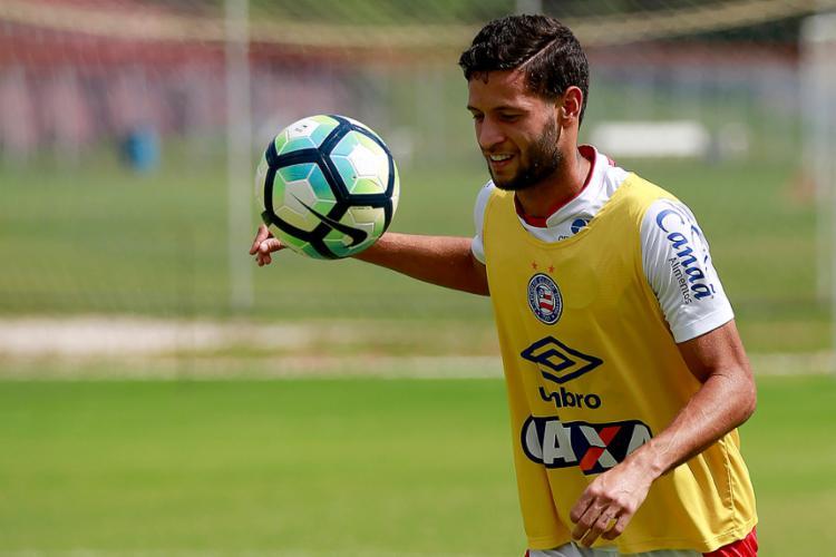 O Timão já abriu conversas com o lateral sobre detalhes do contrato - Foto: Felipe Oliveira l EC Bahia