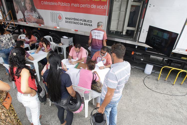 Unidade móvel levou serviços para quem passou pela Lapa - Foto: Luciano da Matta l Ag. A TARDE