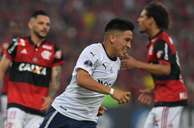 Barco marcou, de pênalti, o gol que definiu o empate por 1 a 1 e deu o título ao Independiente - Foto: Carl de Souza l AFP