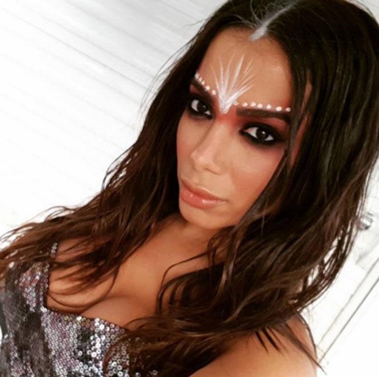 Cantora compartilhou registros do local, figurino e bastidores do novo vídeo - Foto: Reprodução | Instagram