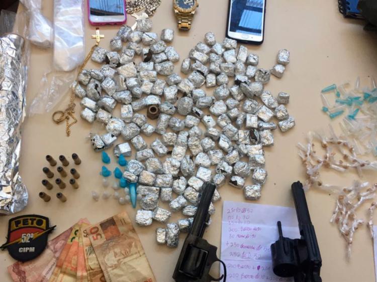 Material apreendido durante operação no bairro de Portão - Foto: Divulgação | SSP-BA