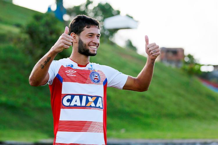 O lateral-esquerdo de 20 anos disputou 17 jogos pelo Tricolor na Série A e chamou atenção do Corinthians - Foto: Felipe Oliveira l EC Bahia