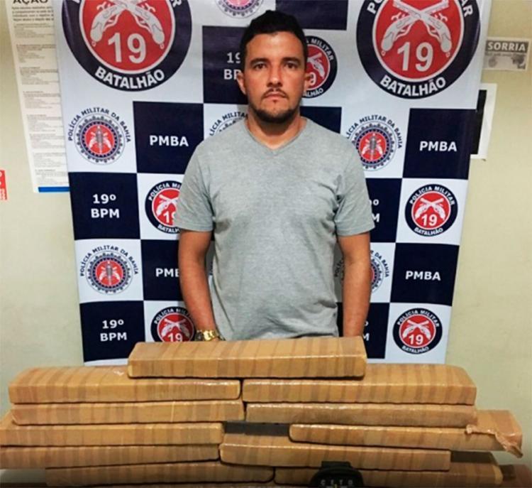 Havia cerca de 23kg da mesma substância na casa do taxista, em Jaguaquara - Foto: Reprodução | Blog do Marcos Frahm