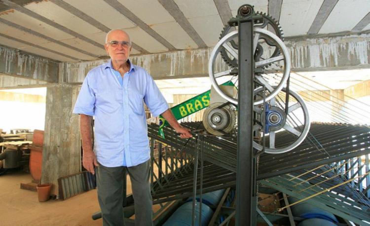 Empresário do setor de bombas hidráulicas desenvolveu equipamento para projeto ondomotriz - Foto: Luciano da Matta | Ag. A TARDE