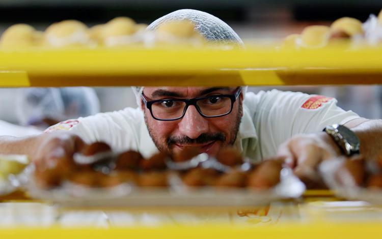Schettini, da Pãozinho Delícia, investe em kits de confraternização - Foto: Adilton Venegeroles l Ag. A TARDE