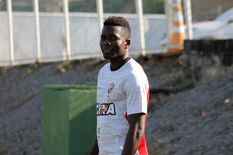 Kanu é um dos jogadores em negociação com o Rubro-Negro - Foto: Maurícia da Matta l EC Vitória