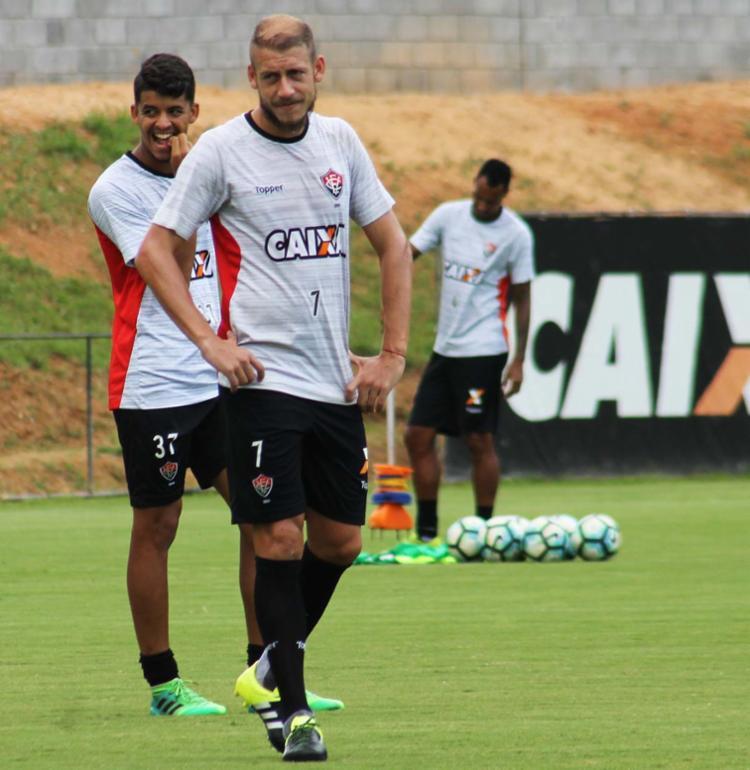 Volante Uillian Correia é um dos atletas que devem renovar com o clube - Foto: Maurícia da Matta | EC Vitória | Divulgação