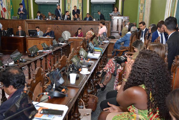 Na última sessão do ano, vereadores votaram por mudanças na cobrança do tributo - Foto: Antonio Queirós l CMS