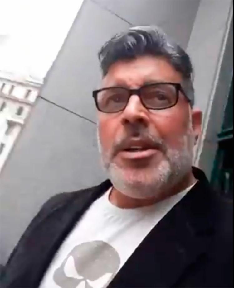 O ator gravou um vídeo e chamou Scarabelli, juiz responsável pelo caso, de 'ativista gay' - Foto: Reprodução | Twitter