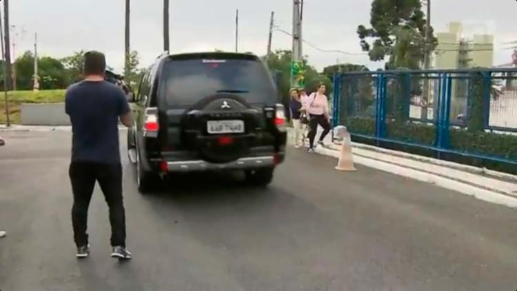 O empresário foi levado em um carro da PF para a Justiça Federal - Foto: Reprodução | Vídeo G1 Paraná