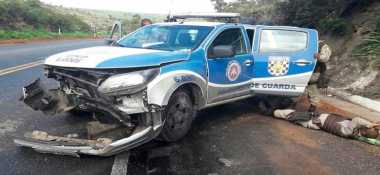 Os policiais foram encaminhados para o Hospital de Seabra e passam bem - Foto: Cidadão Repórter | Via Whatsapp