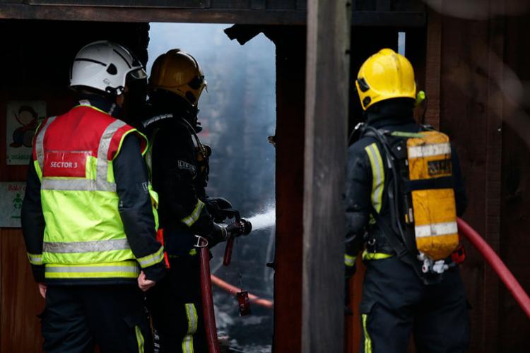 O incêndio começou no café do zoológico pouco depois das 6h no horário local - Foto: Daniel Leal-Olivas | AFP