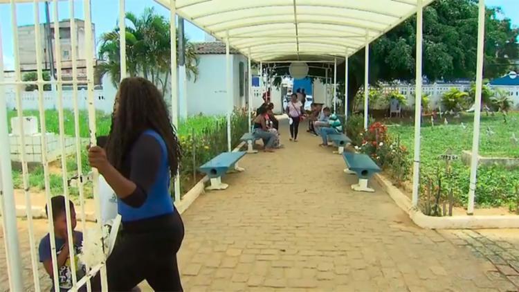 A cerimônia foi realizada no Cemitério Municipal de Brotas - Foto: Reprodução   TV Bahia