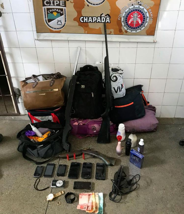 Armas foram apreendidas, e pertences das vítimas recuperados - Foto: Divulgação | SSP-BA