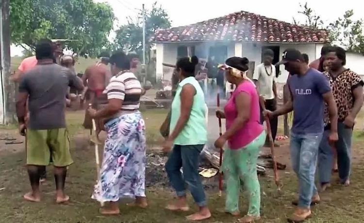 Índios da etnia Hã-hã-hãe ocuparam fazenda na segunda, 25 - Foto: Reprodução   TV Santa Cruz