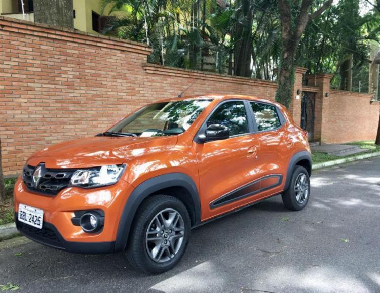 Mesmo com poréns, pequeno Renault é o mais equipado para orçamentos de até R$ 40 mil - Foto: Marco Antônio Jr. / A TARDE SP