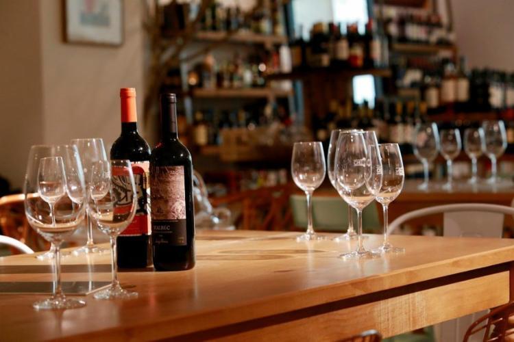 Salvador tem mais de 20 lojas especializadas em vinho, metade delas com wine bar - Foto: Adilton Venegeroles / Ag. A TARDE
