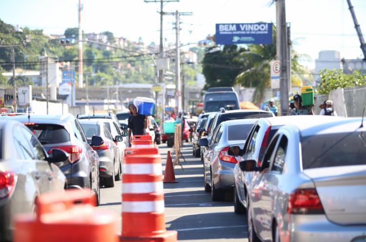 Cerca de 64 mil veículos devem fazer a travessia neste fim de ano - Foto: Joá Souza | Ag. A TARDE