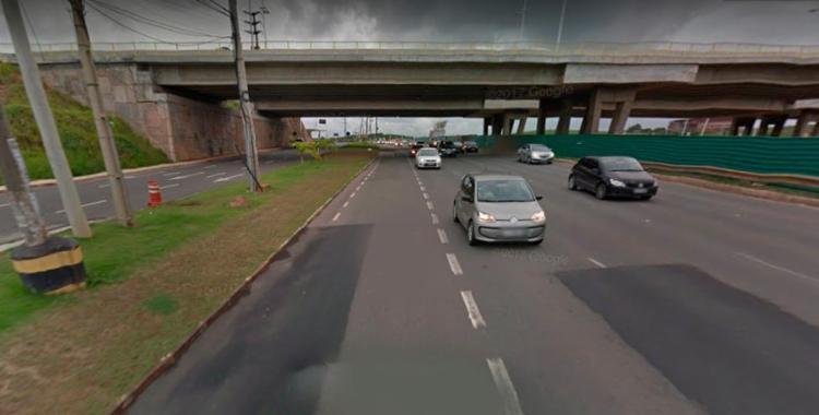 Corpo foi encontrado em um canteiro central - Foto: Reprodução | Google Street View