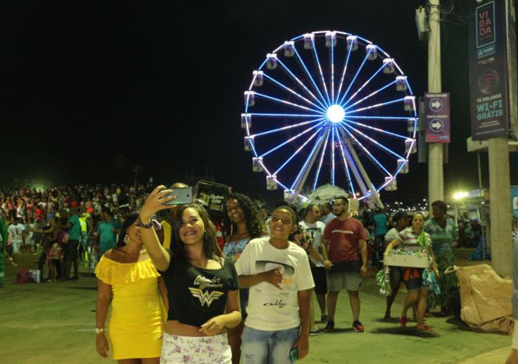 Público registra os momentos deste terceiro dia de festa na Boca do Rio - Foto: Evilânia Sena | Prefeitura de Salvador | Divulgação