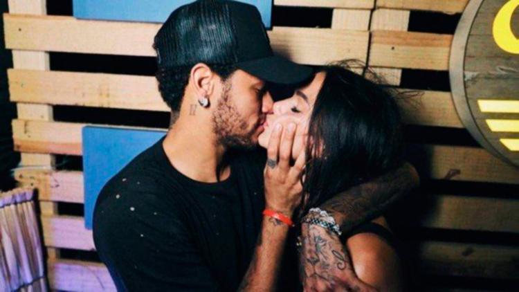Bruna Marquezine e Neymar voltam a ficar juntos em Fernando de Noronha