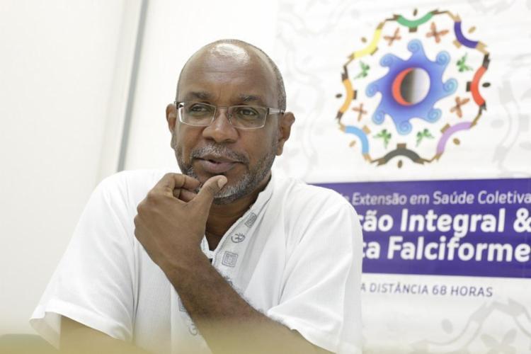 Altair Lira criou a associação baiana e a federação nacional de pessoas com doenças falciformes - Foto: Mila Cordeiro / Ag. A TARDE
