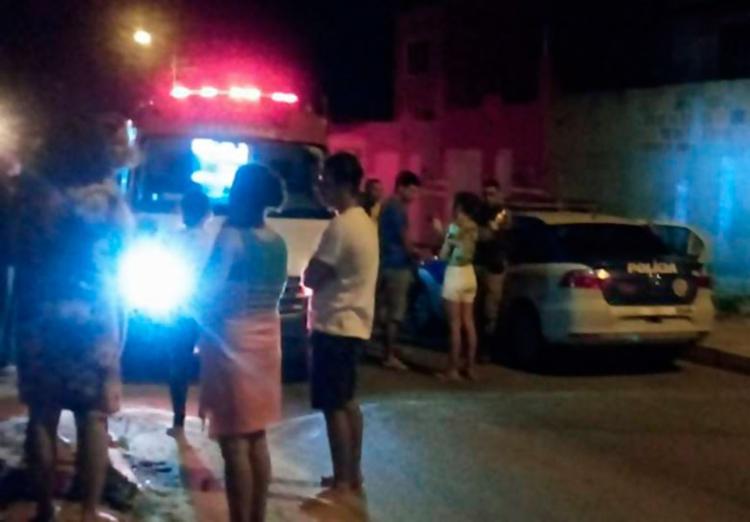 Vítimas estavam em via pública quando foram atacadas - Foto: Reprodução | Blitz Conquista