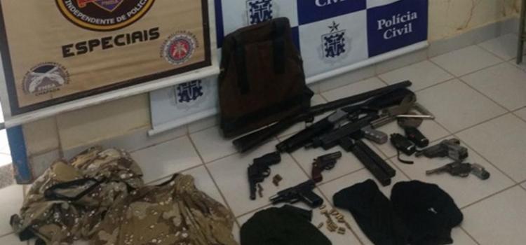 Polícia apreendeu diversas armas com o grupo - Foto: Divulgação | SSP