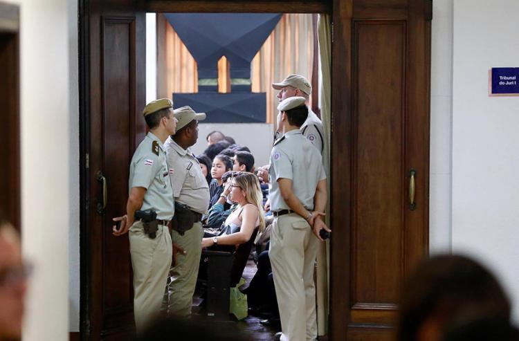 Um total de 432 pessoas esteve presente na sessão desta terça-feira, 5, que durou cerca de 10 horas - Foto: Raul Spinassé | Ag. A TARDE