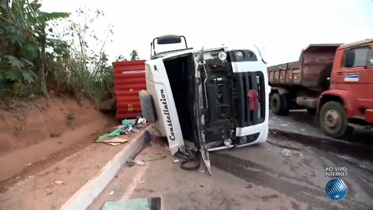 Apesar do acidente, não houve feridos - Foto: Reprodução | TV Bahia