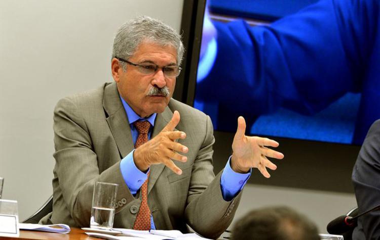 Para José Rocha (PR-BA), a PL é uma segurança para ex-jogadores e treinadores terem garantias na profissão - Foto: Antonio Cruz l Agência Brasil