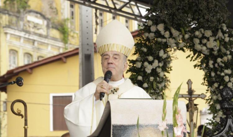 Dom Murilo Krieger celebra missa em homenagem ao nascimento do Menino Jesus - Foto: Luciano da Matta | Ag. A TARDE