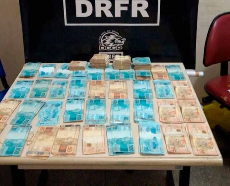 Polícia recuperou R$ 69 mil dos R$ 97 mil roubados - Foto: Divulgação   SSP
