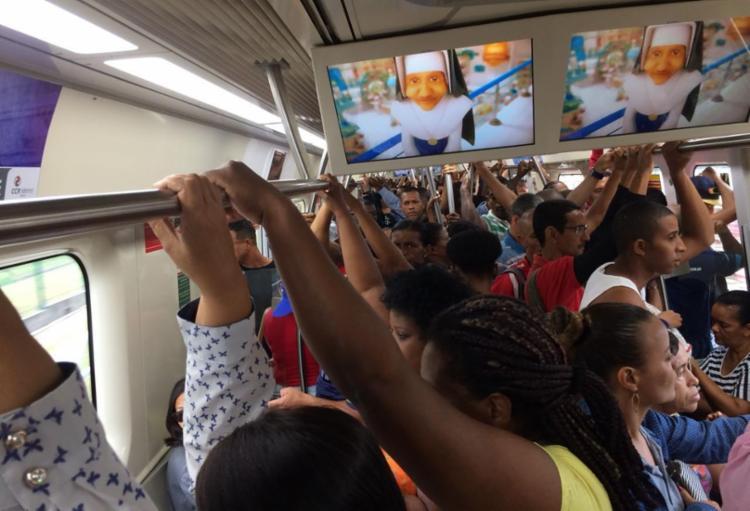Os trens circularam com maior intervalo e velocidade reduzida - Foto: Dayse Macedo | Cidadão Repórter | Via WhatsApp