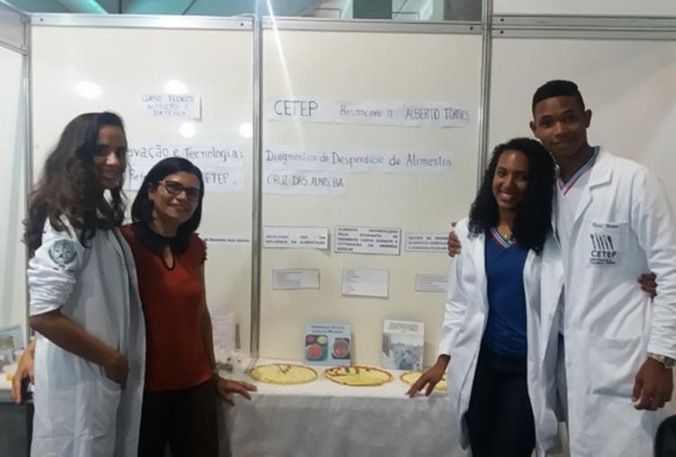 Estudantes criam receitas sustentáveis a partir de cascas de frutas