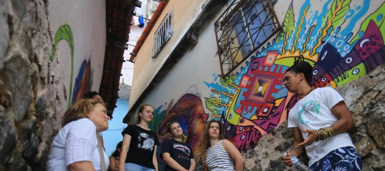 Turismo em Salvador pode ir além das selfies em cartões postais