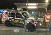 Carro invade calçada e atropela 15 pessoas em Itapuã | Foto: Cidadão Repórter | Via WhatsApp