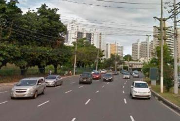 Acidente com três veículos causa lentidão na avenida Tancredo Neves | Reprodução | Google Street View