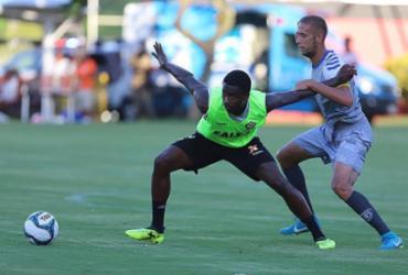 Com dois gols de Denilson, Vitória vence jogo-treino contra o Atlântico